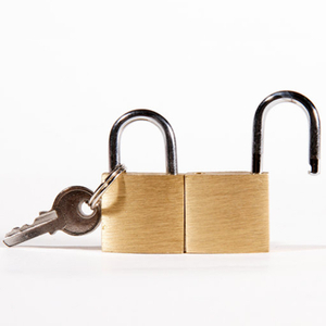 13000BR Simple Brass Padlock with 3 Keys
